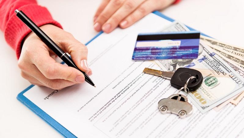 Eine Kfz-Versicherung braucht jeder Halter eines Kraftfahrzeugs. Diese deckt Schäden ab, die der Halter, der Eigentümer oder der Fahrer verursacht haben. Nur dass sie mehr kostet als nötig, dafür schützt ein regelmäßiger Autoversicherungs Check. (#01)