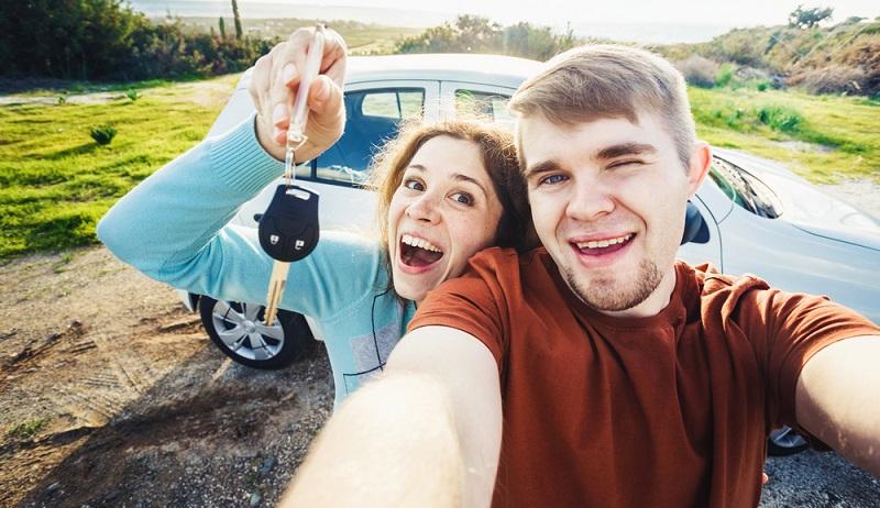 Günstiger wird der Tarif allgemein, wenn von vorneherein festgelegt wird, wer das Auto fahren darf. Nur Sie, oder Ihr Ehepartner oder (Achtung teuer!) Ihr Kind oder Ihre Kinder. (#02)
