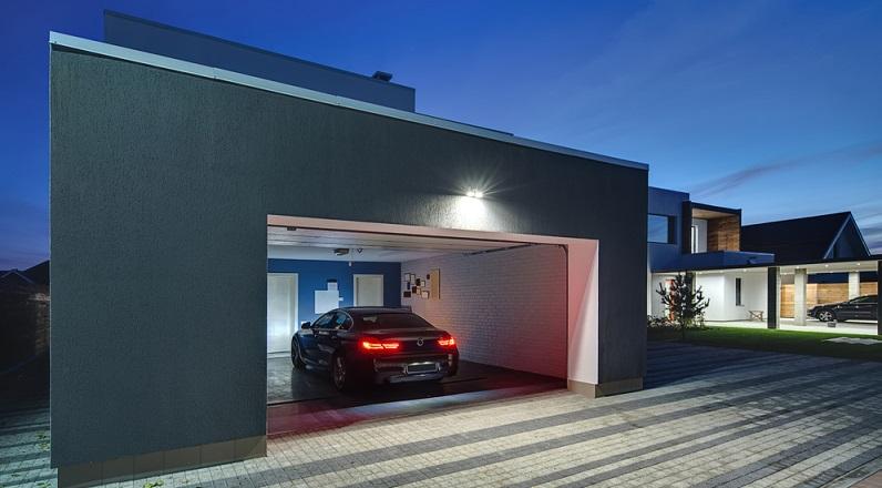 Eigenheimbesitzer mit Garage oder Wohnungsmieter mit (abschließbarer) Tiefgarage profitieren auch von einem etwas verbilligten Kfz-Versicherungstarif, wenn sie die Klausel eigene Garage ankreuzen. (#03)